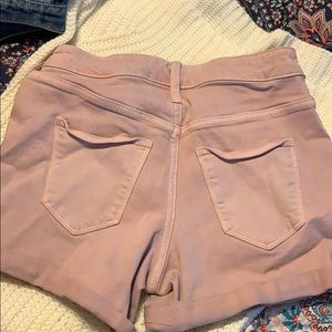 Universal thread shorts tried on once never wore